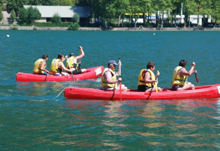 Canoë, yoga kayak, paddle et pirogue sur le lac de Nantua
